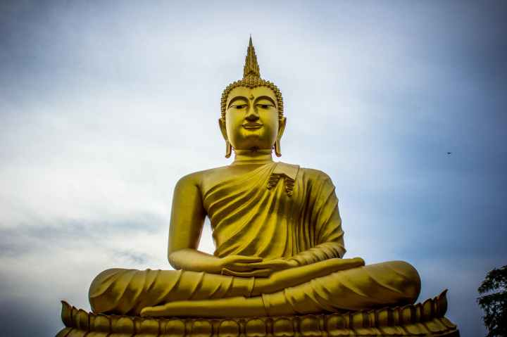 photo of golden gautama buddha